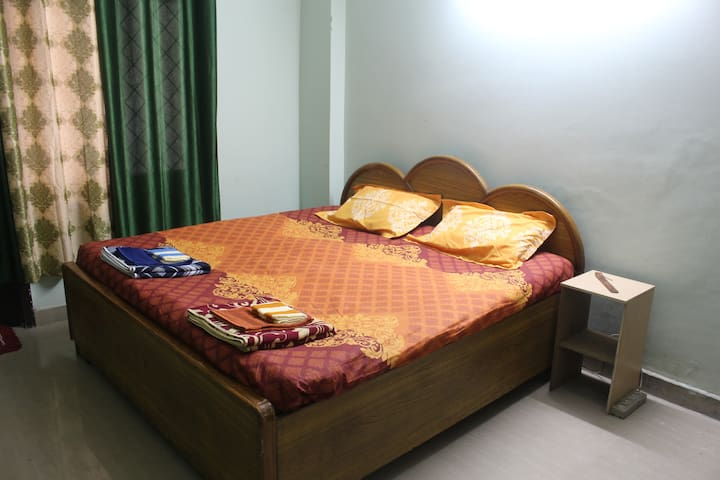 AC Budget-friendly private room in New Delhi - New Delhi - Apartment