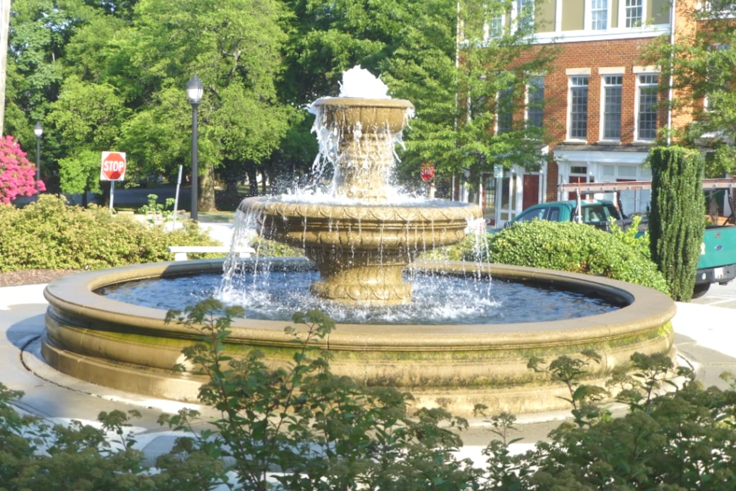 Welcome to the Southside Neighborhood in Downtown GSO! This is the fountain in Southside Square park, which is just around the corner from The Studio
