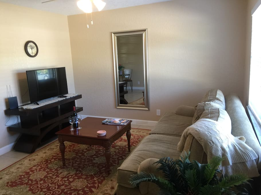 Downtown Delray 2 Walk To The Ave 1 Bedroom Apt Apartments For Rent In Delray Beach Florida