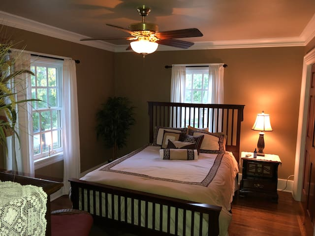 Private room and full bath in Manitowoc