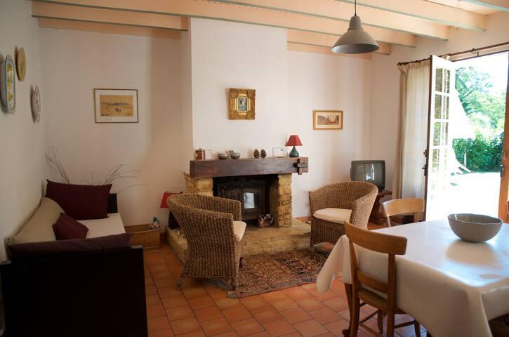 Charming Villa with Swimming Pool - Mazeyrolles - Haus