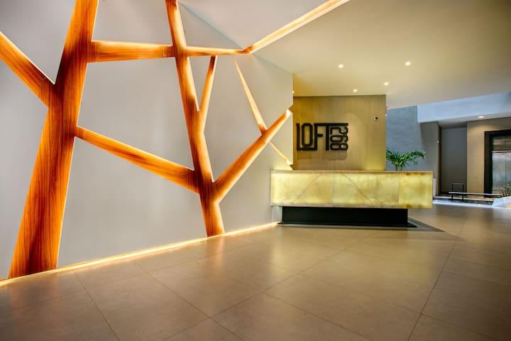 Reception/concierge desk in the lobby