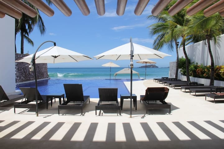 Beautiful beach front apartment in Ixtapa. - Ixtapa - Byt