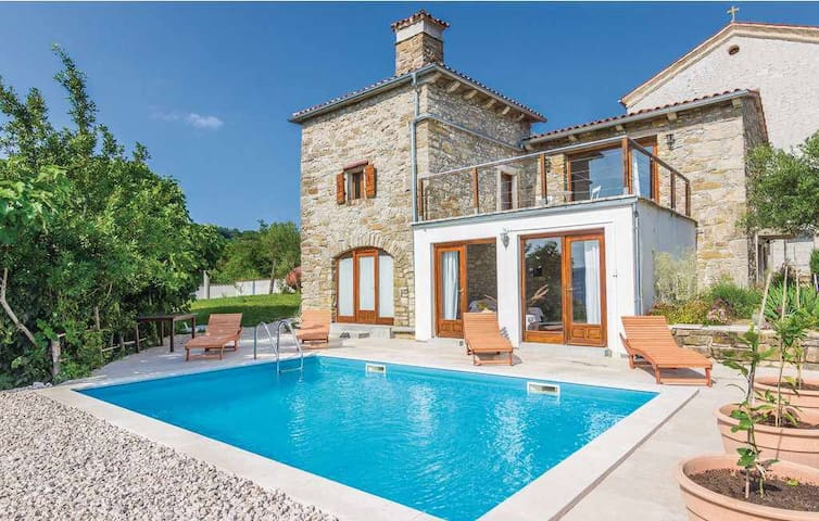 Villa Sussini with private pool - Pićan - Huis