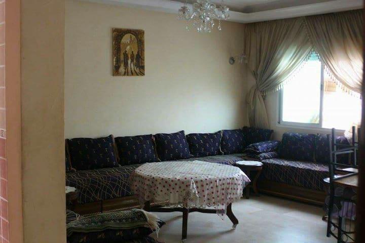 Bel appartement(piscine et parking) - Sidi Bouzid - Lägenhet