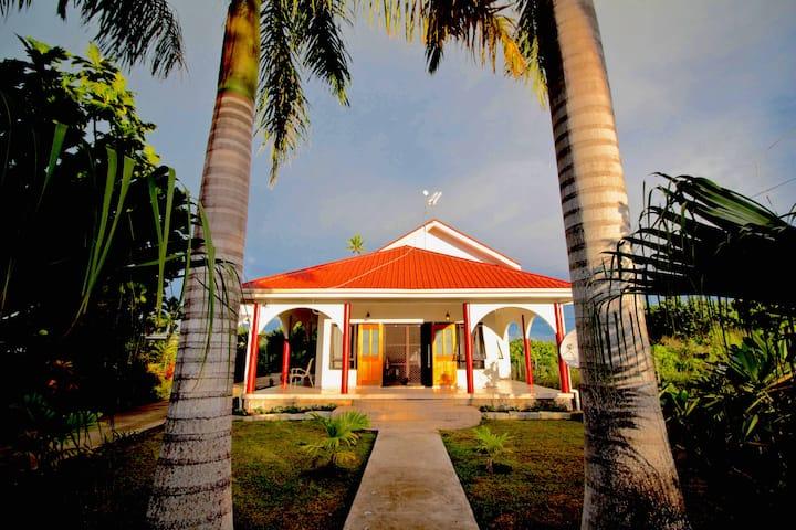 Family Room  - Tonga Holiday Villa