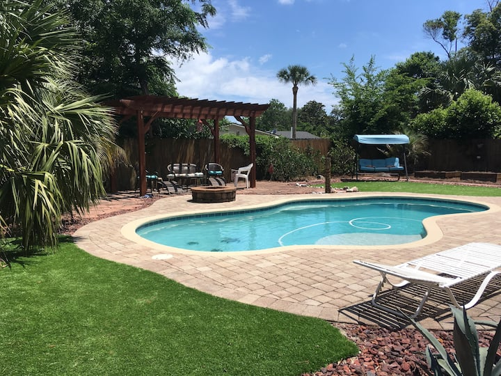 4 Bedroom Neptune Beach Pool House
