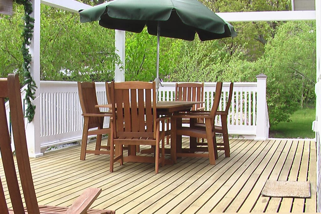 Your teak outdoor dining area