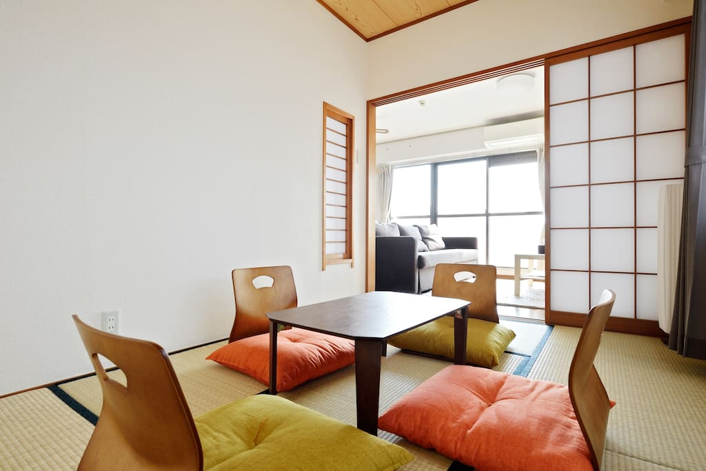 It is Japanese style room. The neighbor is the living room.