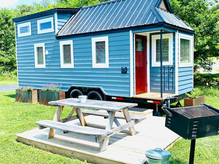 Looking Glass @ Acony Bell Tiny Home Village