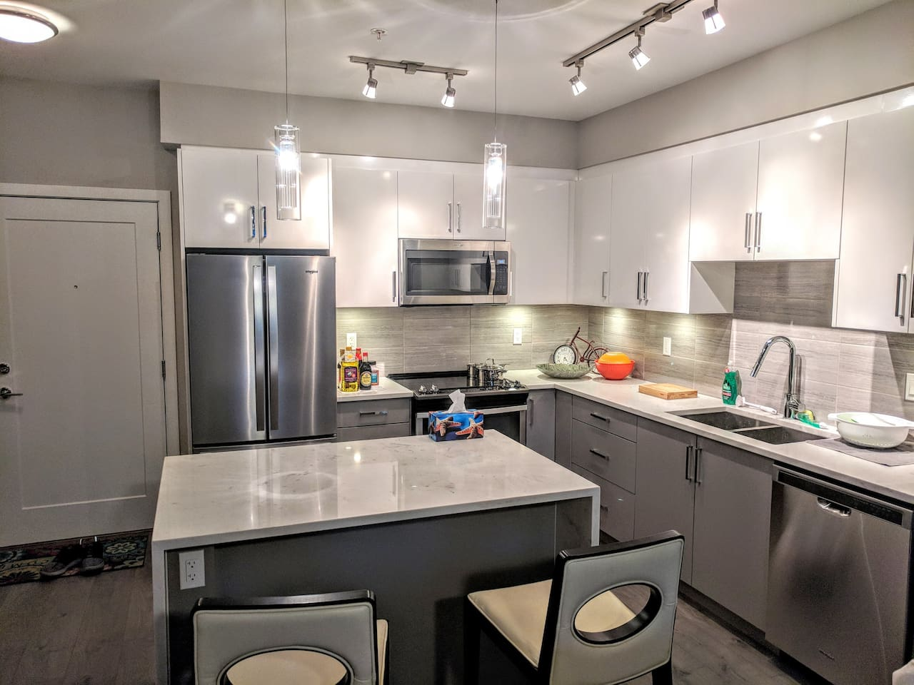 Sparkling New 2+1 Bedroom Condo Downtown Langley