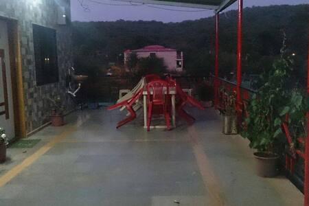 Bungalow near Lingmala Waterfall - Mahabaleshwar - Bungalow