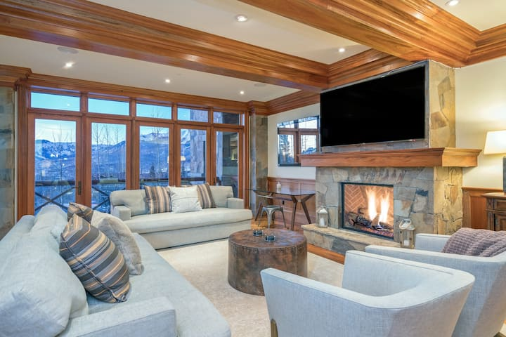 Elegant Luxury Condo with Exquisite Details and Decor Ideally Located with Impressive Mountain Views
