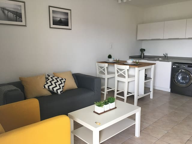★ Couple's Comfy | a few steps from Mullet beach ★ - Lowlands - Apartament