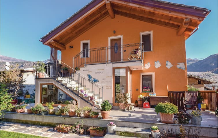 Semi-Detached with 1 bedroom on 50 m² in Champdepraz (AO)