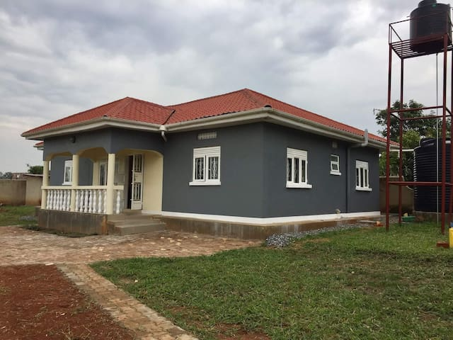 Gulu home with a green view (Lamaro Home)