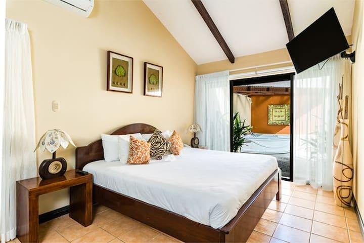 Bahia del Sol Beach Front Boutique Hotel King Sun or Honeymoon Suite