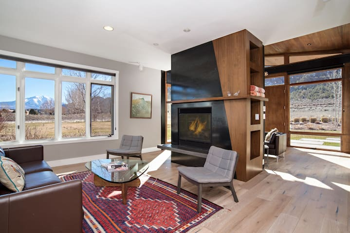 Modern Luxury Home with Fireplace & Mtn Views!