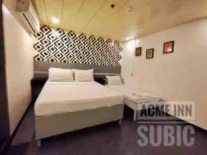 ACME Inn Subic - Suite Room
