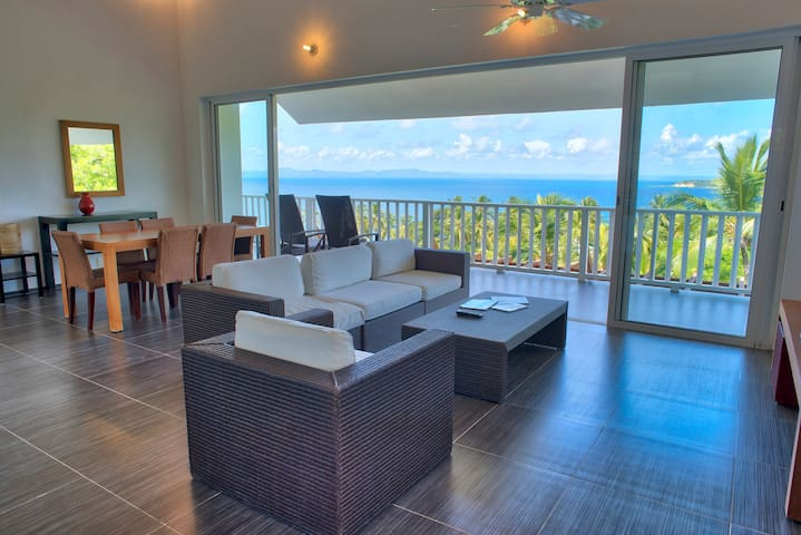 Amazing Ocean View Vacation Home w/ Private Beach