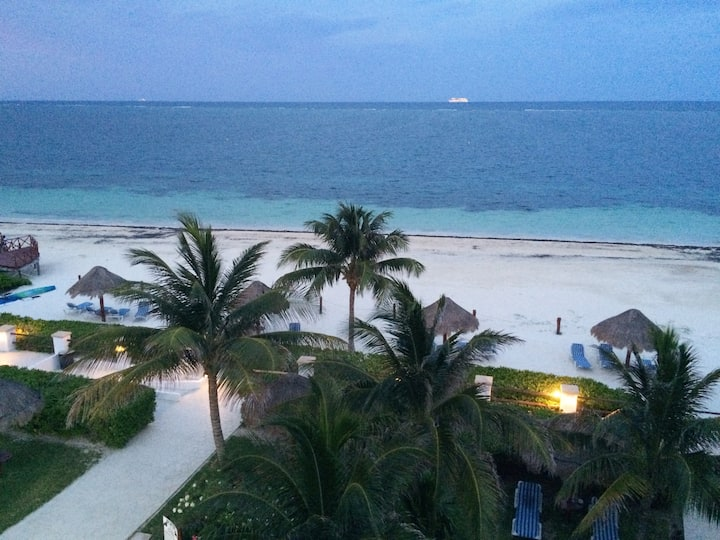 Welcome to Paradise in Puerto Morelos