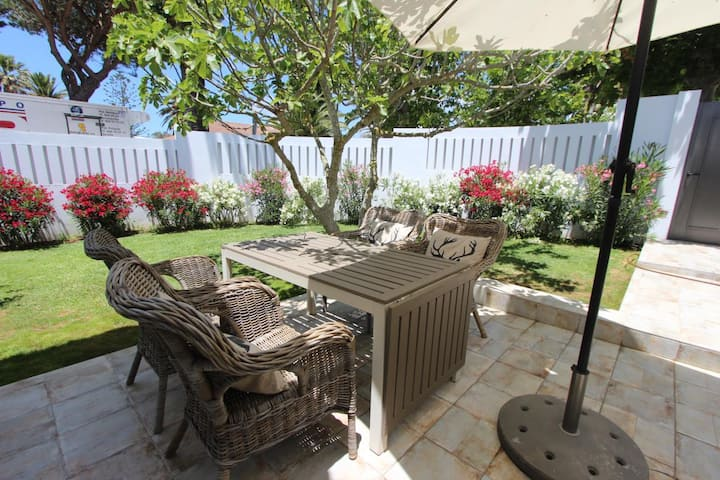 Casa Sol - Tastefully furnished holiday home with garden very close to the beach