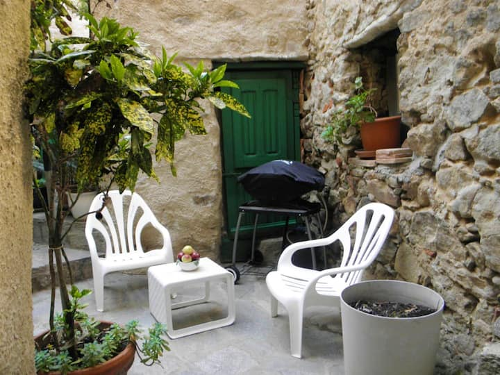 House with one bedroom in Belgodère, with enclosed garden and WiFi