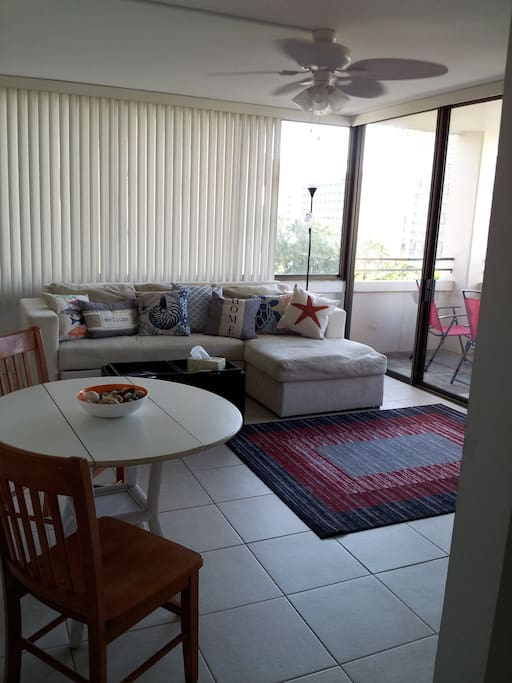Light and airy with a lanai. Beach friendly with tile floors