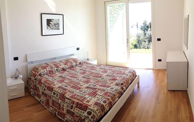 Appartamento con Giardino in Residence con Piscina - Toscolano Maderno - Apartemen