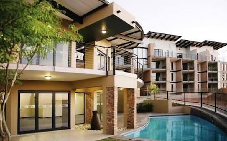 Luxury has never been this good! - Germiston - Apartment