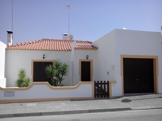 Moradia no Carvalhal  - Carvalhal - Casa