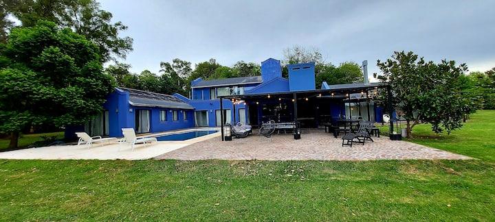 Casa Azul! Hermosa casa en Chacras del Paraná!