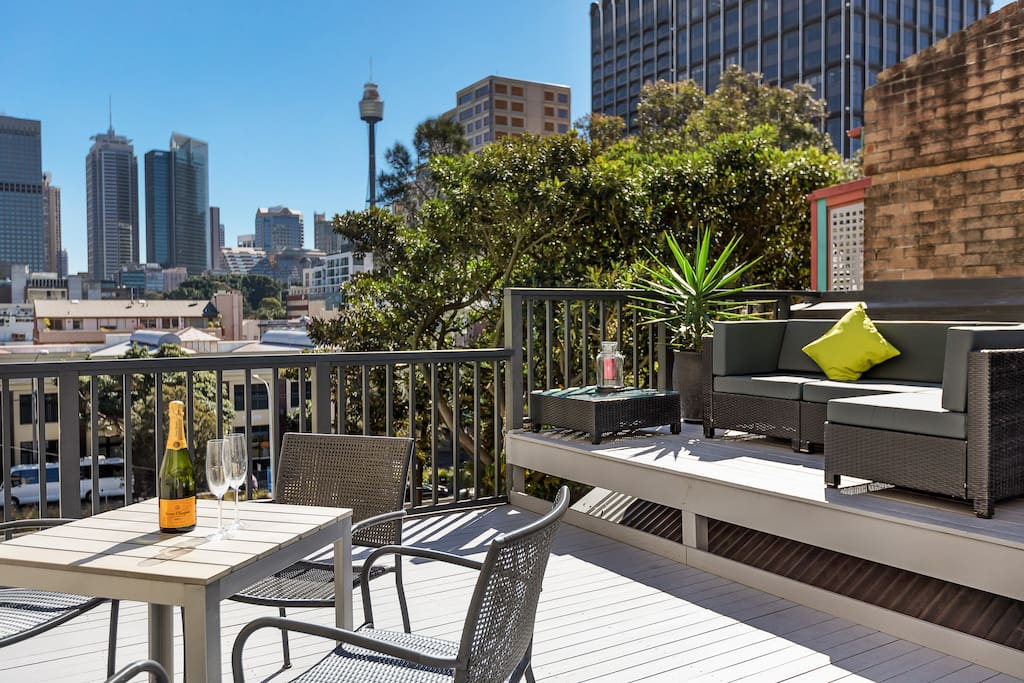 "Enjoy panoramic views of the city skyline upon one of the largest terrace balconies in Darlinghurst. Stretch out on the outdoor lounge suite and soak up the private uninterrupted views. Dine in style at the alfresco dining table, with a standalone BBQ for your culinary needs.""Fantastic location, close to city amenities. Paul is an excellent host and looked after us really well. Appreciated the fully equipped kitchen and lovely terrace.""- Lauren White  *****"
