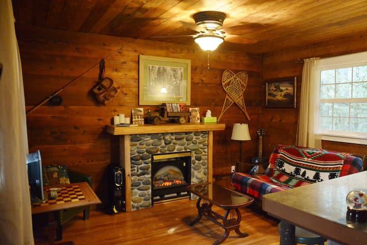 Historic Grove Log Cabin