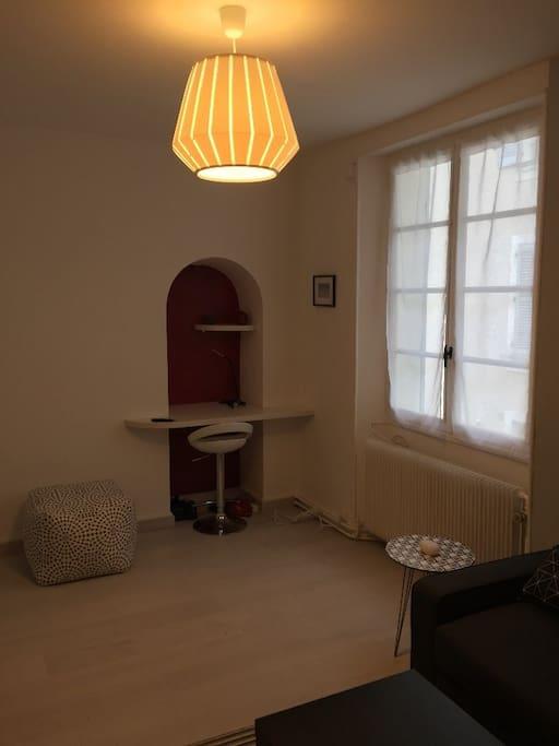 appartement cosy au centre ville appartements louer fontainebleau le de france france. Black Bedroom Furniture Sets. Home Design Ideas