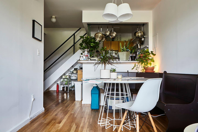 Sunny, Modern room in East Village!