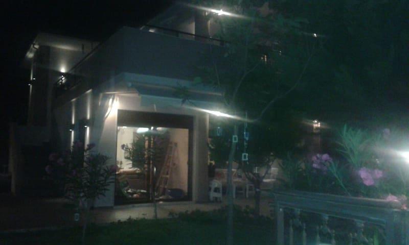 Εξοχική κατοικία διόροφη με εξωτερική σκάλα! - Yerakini - House