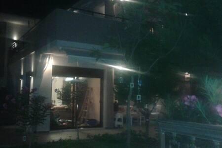 Εξοχική κατοικία διόροφη με εξωτερική σκάλα! - Yerakini - Rumah