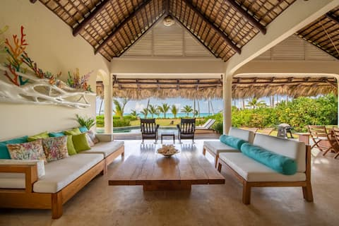 Luxury Beach Front Villa with private pool