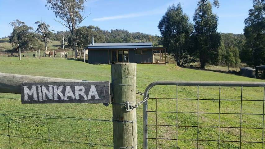 Minkara Homestay - Cosy fully self contained cabin - Chum Creek/Healesville
