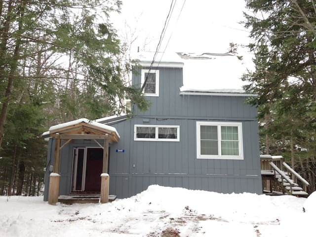 Secluded Sugarloaf Ski Home - Redington Woods - Carrabassett Valley - Dům