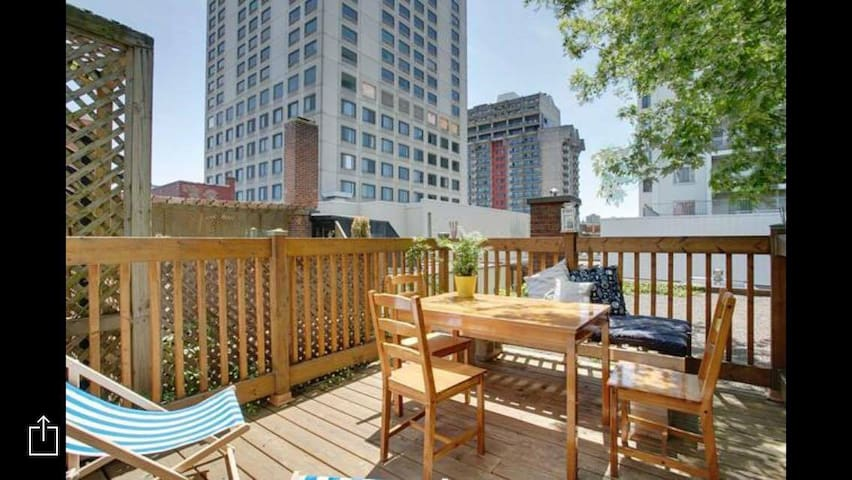 Large & Sunny appartment - hearth of Montreal - Montréal - Appartamento