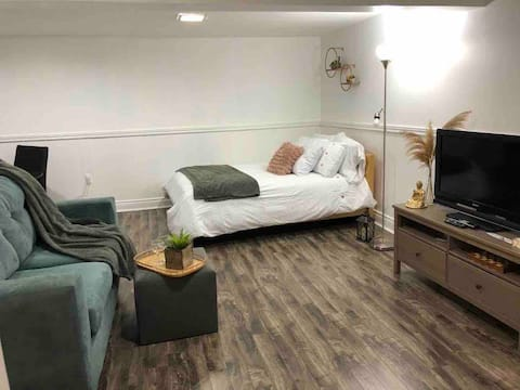 Modern and Cozy Basement Apartment in Brampton