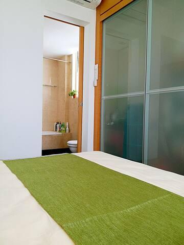 1min MRT/city area cozy room&bath&pool@Tan KahKee