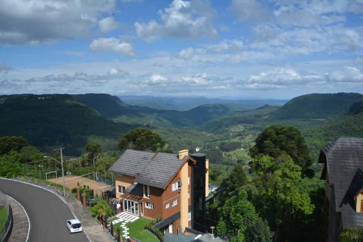 Suíte vista Vale no Hotel Toscana Gramado