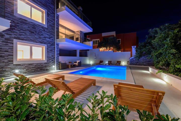 Luxury Villa Residence Zupanovic - Trogir