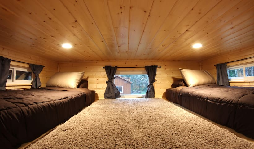 Loft with two twin beds.