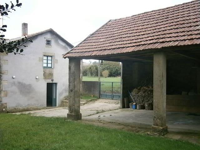 Casa rústica en Fragas do Eume - Monfero - House