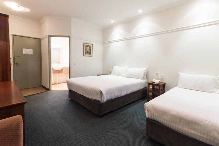Stay Margaret River-Triple Room with Breakfast