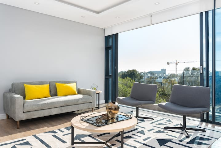 Plush Green Point Apartment | Fast WiFi | Views